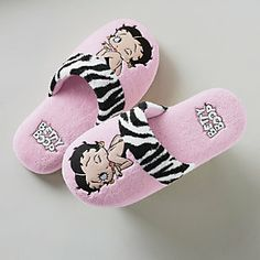 <3 betty boop slippers i want them <3