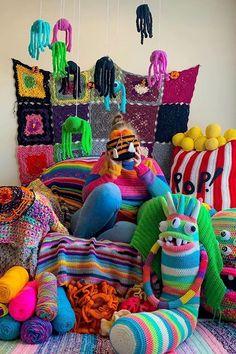Crochet Tutorial Crochet Dress Girl, Crochet Baby Jacket, Crochet Daisy, Baby Girl Crochet, Childrens Crochet Hats, Crochet Toddler, Diy Crafts Knitting, Diy Crafts Crochet, Halloween Yarn