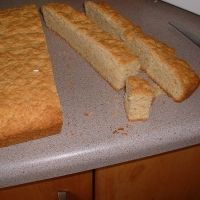 must recreate the ones my friend brought back from South Africa! Pastry Recipes, Baking Recipes, Cake Recipes, Snack Recipes, Snacks, Buttermilk Rusks, Buttermilk Recipes, Cake Rusk Recipe, Savory Muffins