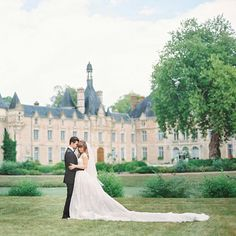 """JENNY BERNHEIM on Instagram: """"The most fairy-tale setting with the gown to match; a @pronovias chantilly lace gem with a twelve foot train! @martha_weddings has even more in this weeks takeover & our wedding story is now live on the blog!  @polly_alexandre #jenfredwed2015 #MMAisleStyle #margoandmeandmartha"""""""