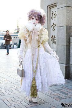 """tokyo-fashion: """" Minori on the famous Harajuku Bridge (Jingu Bashi) after Harajuku Fashion Walk. Posted Harajuku Fashion Walk snaps here. Fashion Walk, Tokyo Fashion, Harajuku Fashion, Lolita Fashion, Harajuku Makeup, Harajuku Style, Gothic Fashion, Japanese Streets, Japanese Street Fashion"""