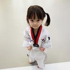 Cute Asian Babies, Korean Babies, Asian Kids, Cute Babies, Baby Kids, Cute Little Baby, Cute Baby Girl, Cute Girls, Kids Kiss