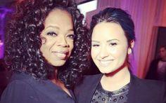 Demi Lovato nunca escondeu sua admiração pela Oprah Winfrey e, quando se encontrou com ela, não perdeu a chance de tirar uma foto.