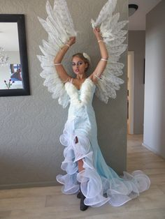 Angel Wings for Costume – feather crafts Angel Wings Costume, Diy Angel Wings, Cosplay Wings, Diy Wings, Bird Costume, Diy Costumes, Halloween Costumes, Bird Masks, Learn To Fly
