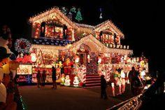 Check out this pink christmas house! Pink Christmas Lights, Christmas Light Displays, Decoration Christmas, Noel Christmas, Holiday Lights, Outdoor Christmas, Winter Christmas, Holiday Fun, Xmas Lights