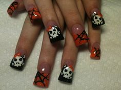 skulls and spiderwebs - Nail Art Gallery