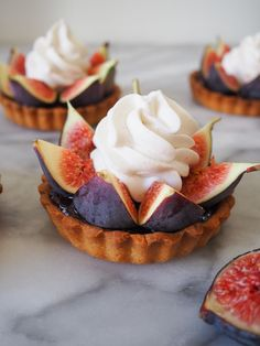A beautiful fig tart recipe composed of fresh figs that crown a tart crust with a hazelnut cream baked in topped with cinnamon whipped cream. Pastry Recipes, Tart Recipes, French Tart, French Food, Fig Tart, Tart Dough, French Pastries, Italian Pastries, French Desserts