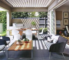 Outdoor dining and living, like how the vergola extends to cover entire outdoor space - l Outdoor living l Outdoor l Modern Outdoor Living, Outdoor Living Areas, Outdoor Rooms, Outdoor Dining, Outdoor Decor, Modern Patio, Outdoor Lounge, Bbq Outdoor Area, Outdoor Tiles Patio