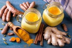 Turmeric Latte and fresh turmeric roots Healthy Eating Tips, Healthy Nutrition, Healthy Dinner Recipes, Stay Healthy, Drink Recipes, Healthy Eats, Fresh Turmeric Root, Turmeric Health Benefits, Ayurveda
