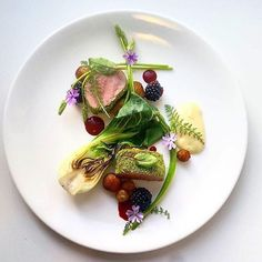Herb crusted pork loin with bok choy, wild asparagus, spring potatoes cooked in thyme butter, silver onion purée, toasted blackberries & blackberry sauce. Spring Potato, Nigerian Food, Pork Loin, Molecular Gastronomy, Gourmet Recipes, Gourmet Desserts, Plated Desserts, Food Presentation, Food Plating