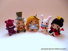 Disney Sisters: Disney Amigurumi: 22 Tiny Adorable Dolls on Etsy