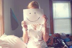 Seu sorriso é sua maior arma contra aqueles que querem te ver chorar.
