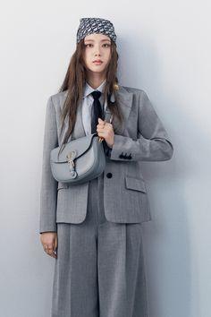 South Korean Girls, Korean Girl Groups, Blackpink Debut, Rapper, Blackpink Photos, Pictures, Jennie Blackpink, Blackpink Jisoo, The Most Beautiful Girl