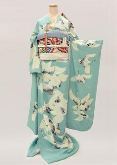 着物レンタル アンティークから現代物まで|衣裳らくや|きものレンタル | アンティーク復刻振袖 浅葱色地/飛翔鶴