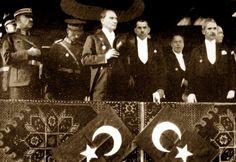 Bugün, Mustafa Kemal ATATÜRK'ün Türk ulusuna kazandırdığı en özel günlerden biri. 29 Ekim Cumhuriyet Bayramı... Türkiye Cumhuriyeti'nin kurucusu Mustafa Kemal Atatürk, cumhuriyetin onuncu yılı kutlamalarının yapıldığı 29 Ekim 1933 tarihinde verdiği 10. Yıl Nutku'nda, bu günü en büyük bayram olarak nitelendirmiştir.</br>Tüm TÜRK ulusunun EN BÜYÜK BAYRAMI kutlu olsun...</br>İşte Atatürk'ün herkesin bilmesi gereken 20 özelliği ve en az bilinen görüntüleri...
