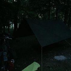 Home for the night . . @ddhammocks #ddhammock #ddtarps #tarp3x3 #frontlinehammock #hammocklife #hammockcamping #campvibes #camping #exploretheworld #exploretheoutdoors #treelovers #forestcamp #outinthewoods #notallwhowanderarelost #leavenotrace #takeonlypictures