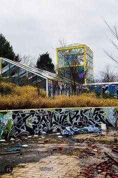 Blub-Berlin-The-Abandoned-Water-Park-in-Neukolln-14
