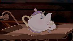 Clutch Characters: Mrs. Potts | Oh My Disney