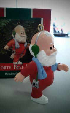 North Pole Jogger - Hallmark 1989 Keepsake ornament, running Santa figurine…