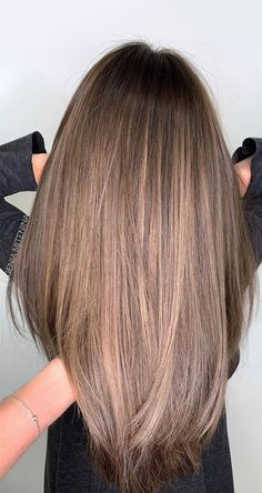 Brown Hair With Blonde Highlights, Brown Hair Balayage, Brown Blonde Hair, Hair Highlights, Brunette Hair, Natural Looking Highlights, Light Brown Highlights, Brunette Color, Gorgeous Hair Color