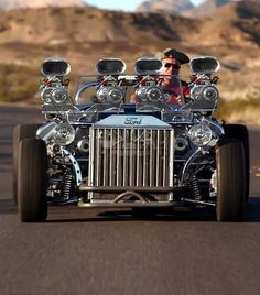 """1927 Ford Model T Bucket Roadster Known As """"Double-Trouble"""" For Its Twin L Engines Developing 1200 HP. Tube Chassis, T Bucket, Power Cars, Big Muscles, Ford Models, Muscle Cars, Hot Rods, Antique Cars, Classic Cars"""