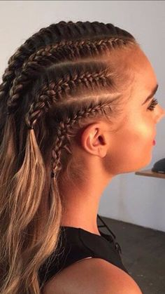 Baddie Hairstyles, Braided Hairstyles, Cool Hairstyles, Hair And Makeup Tips, Hair Makeup, Football Hair, Curly Hair Styles, Natural Hair Styles, Competition Hair