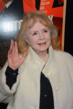 """Piper Laurie Photo - Premiere Of Fox Searchlight Pictures' """"Hitchcock"""" - Arrivals Piper Laurie, Fishnet Stockings, American Actress, Off The Shoulder, Fox, Actresses, Celebrities, Pictures, Female Actresses"""