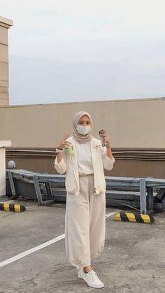 Street Hijab Fashion, Muslim Fashion, Casual Hijab Outfit, Ootd Hijab, Hijab Fashion Inspiration, Fashion Ideas, Hijab Fashionista, Modesty Fashion, Tomboy