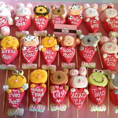 Resultado de imagen para paletas de bombon Valentine Desserts, Valentine Cookies, Valentines Day Treats, Sugar Cookie Royal Icing, Marshmallow Treats, Bakery Business, I Love Chocolate, Candy Party, How To Eat Better