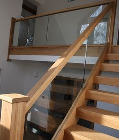 View our popular staircase gallery with traditional oak stairs and steps oak staircase, glass staircase panelling, Wood Railings For Stairs, Stair Railing Design, Oak Stairs, Glass Stairs, Staircase Railings, Wooden Staircases, Modern Staircase, Banisters, House Stairs