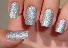 totaly my fav nails for New years. I rock it this year.and i think this is going to be my every New year glitter popping nail polish:)) Silver Glitter Nails, Glitter Nail Polish, Glitter Manicure, Nail Polishes, Gold Nail, Polish Nails, Holographic Glitter, Cute Nails, Pretty Nails
