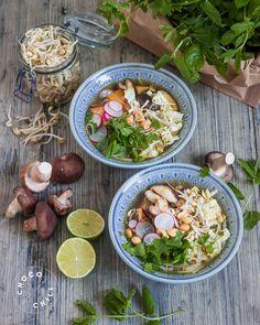 Vegaaninen Pho-keitto | Chocochili Pho, Food Inspiration, Dairy Free, Vegan Recipes, Cooking, Ethnic Recipes, Drinking, Gluten, Life