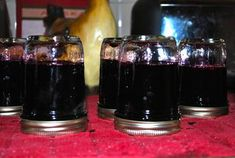 How to make Blueberry Jelly - Gelee Ideen Jelly Recipes, Jam Recipes, Canning Recipes, Recipies, Sweet Recipes, Peach Jelly, Peach Jam, Blueberry Jelly, Blueberry Recipes