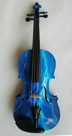 When cabin 7 and cabin 1 collide. << THIS<< Do I put this with Percy Jackson or Michael Vey or Music? Piano Y Violin, Violin Art, Violin Music, Piano Keys, Music Is Life, My Music, Cool Violins, Electric Violin, Music Lovers