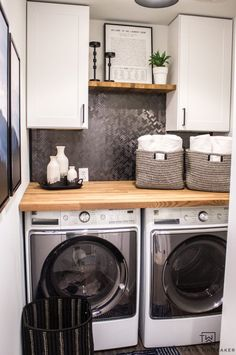 Small Laundry Room Makeover - Taryn Whiteaker Fixer Upper Style laundry room makeover complete with Tiny Laundry Rooms, Laundry Room Remodel, Laundry Decor, Laundry Room Design, Laundry Room Organization, Laundry Closet, Mud Rooms, Organizing, Laundry Room Countertop