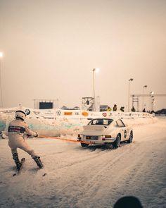 HUB:RAUM sur Instagram: W I N T E R S P O R T 1973 Porsche 911, Porsche Cars, Vintage Porsche, Vintage Cars, Good Ol, Rally, Euro, Skiing, Automobile