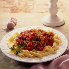 Pasta con salsa de berenjenas