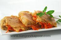 Pyaaz Tamatar Ka Bun : Brown pavs stuffed with onion tomato stuffing.- A filling snack. Indian Snacks, Indian Food Recipes, Vegetarian Recipes, Healthy Recipes, Delicious Recipes, Ethnic Recipes, Healthy Food, Bread Snacks Recipe, Snack Recipes