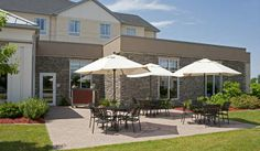Hilton Garden Inn Ames Hotel, IA   Outdoor Dining Patio