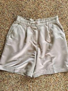 Women's Nike Golf Shorts Khaki Sz 8 #NikeGolf #Shorts