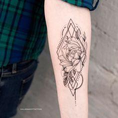 Back Tattoos, Girl Tattoos, Sleeve Tattoos, Tatoos, Sternum Tattoo, Tattoo On, Dainty Tattoos, Flower Tattoos, Rose Outline Tattoo