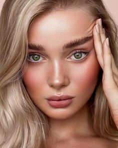 🍑Apricot tones on beauty Photography by Full Makeup details: Base: Radiance Primer,… Full Makeup, Glowy Makeup, Natural Makeup, Hair Makeup, Wedding Makeup Tips, Wedding Makeup Looks, Bridal Makeup, Make Up Looks, Beauty Skin