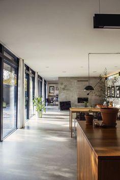 Simple Living (4)...Chequen este increíble proyecto, donde el interior y el exterior se funden y comparten áreas.: