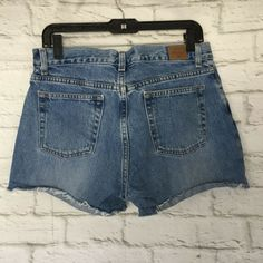 7d9c55d7a9 Old Navy Women's Cut Off Shorts Fray Medium Wash Size 12 Regular #OldNavy  #MiniShortShorts