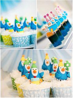 Cute penguin cupcakes