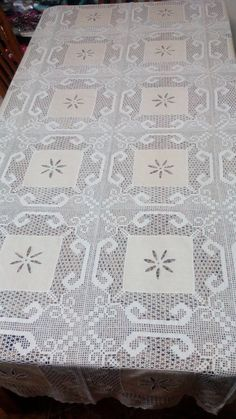 Cross Stitch Rose, Crochet Tablecloth, Crochet Clothes, Crochet Lace, Something To Do, Crochet Patterns, Handmade Items, Quilts, Dining Table Runners