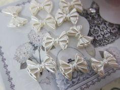 10pcs Shabby Double Sided Bow  - White by NatashaScrapbooKorner, $0.99 USD