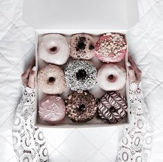 these donuts are too pretty to eat!