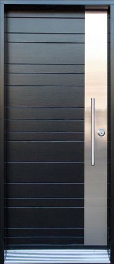 22 gauge steel door.Wood finish (birch) applied on both sides of the door, with vertical plank design, protected with factory applied stain and varnish.Vertical stainless steel plate applied on handle side of the door.Pull handle «T-Shape» style with ball-catch mecanism, satin nickel finish (In option).