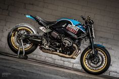 Your complete guide to BMW cafe racer motorcycles, from classic bikes like the to modern-day specials. Custom Bmw, Custom Cafe Racer, Bmw Cafe Racer, Cafe Racer Build, Cafe Racer Motorcycle, Cafe Racers, Motorcycle Helmets, Bmw Classic, Classic Bikes
